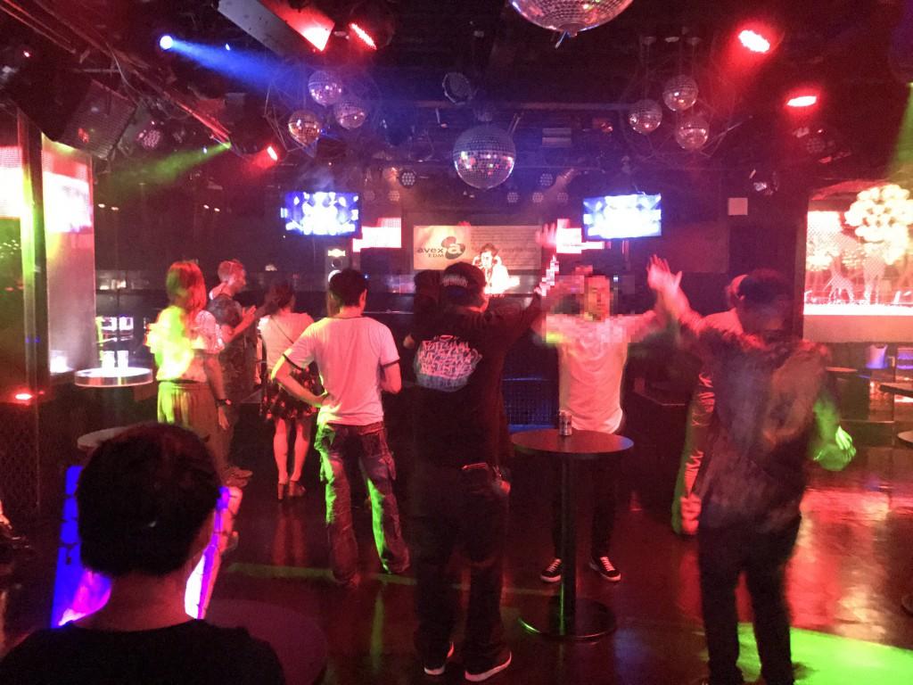 ジラフ大阪 4階