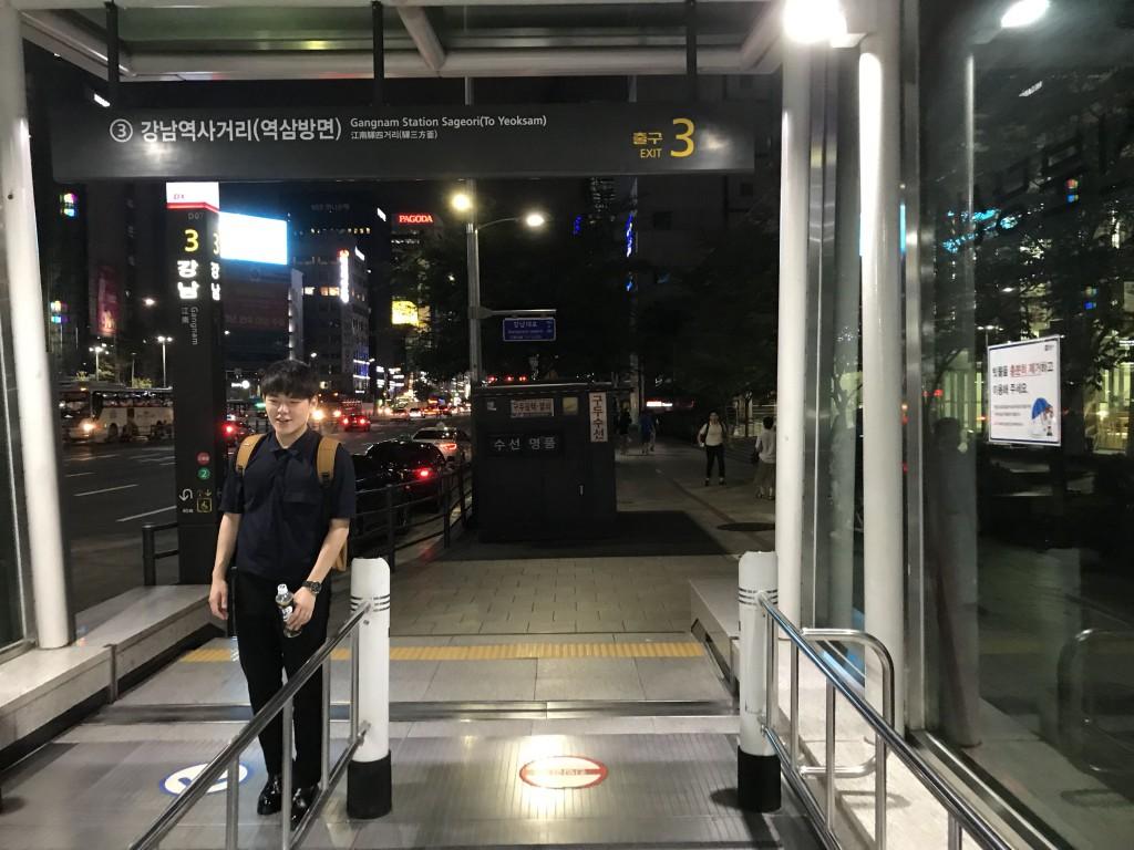 ソウル(江南)のカイン(MIRROR SXX SHOW)3-min